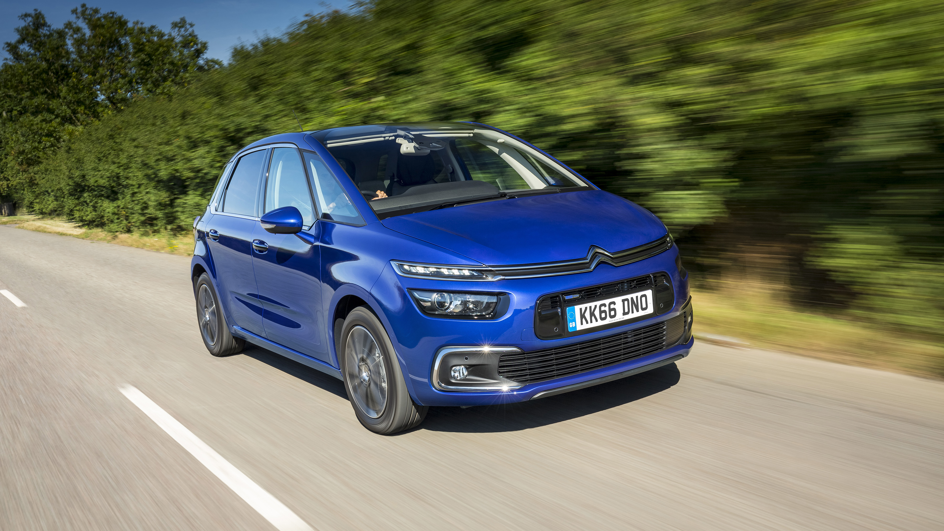 citroen c4 picasso review and buying guide best deals and prices buyacar. Black Bedroom Furniture Sets. Home Design Ideas