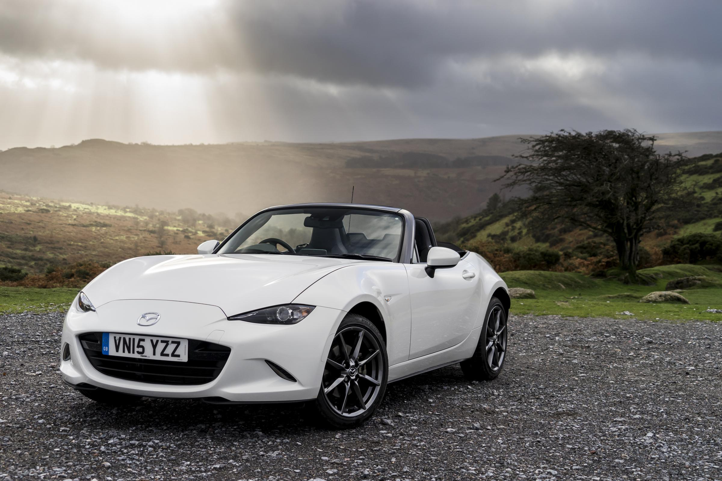 mazda mx 5 review and buying guide best deals and prices buyacar. Black Bedroom Furniture Sets. Home Design Ideas