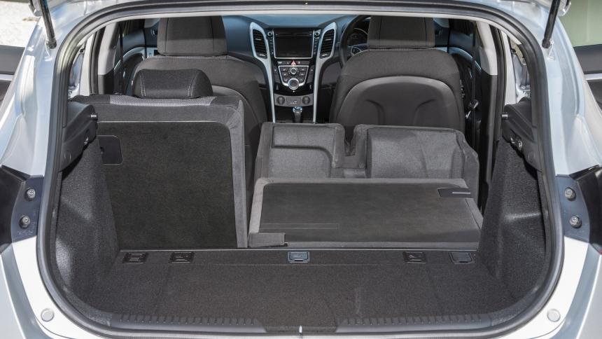 Opel Zafira 2018 >> Hyundai i30 dimensions | BuyaCar
