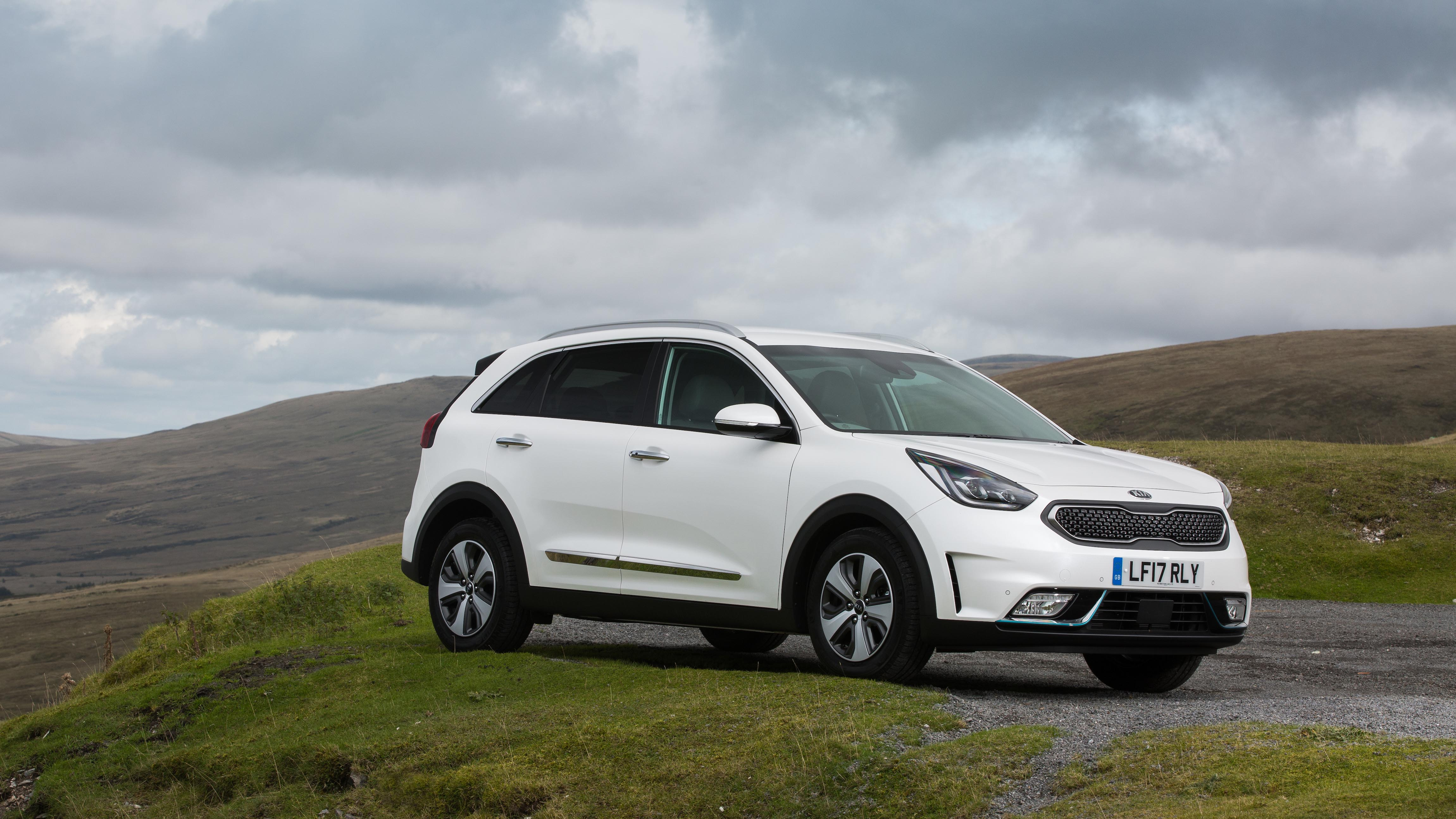Kia Niro Review And Buying Guide Best Deals And Prices Buyacar