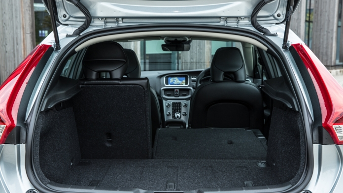 Volvo V40 Review and Buying Guide: Best Deals and Prices