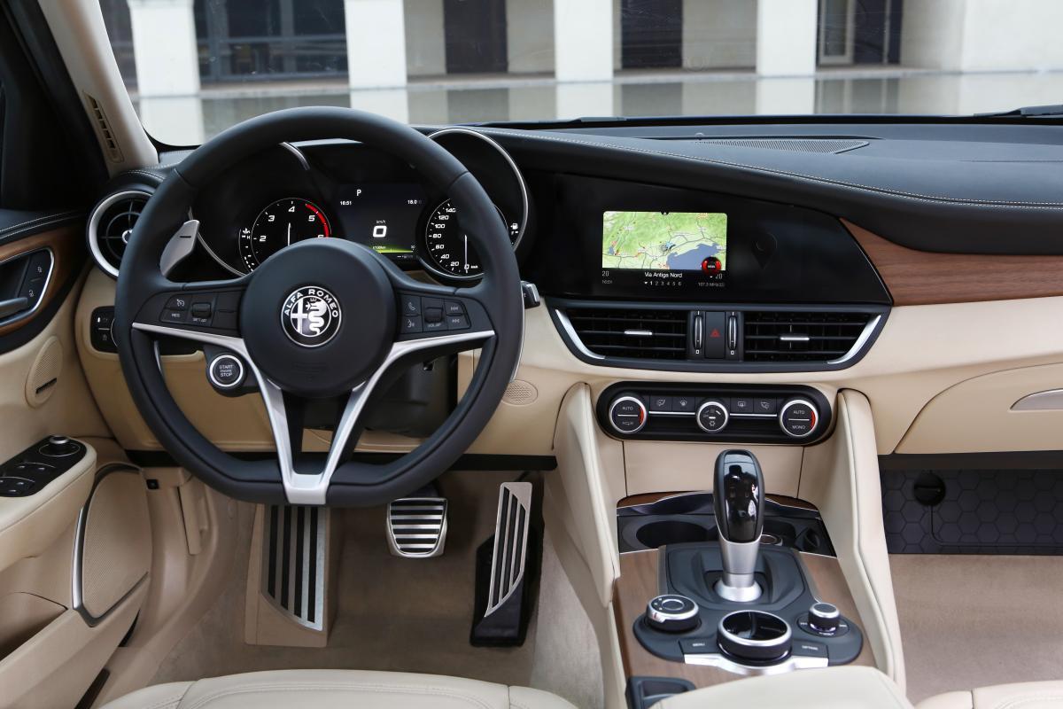 Alfa Romeo Giulia Review Uk on alfa giulia 2014, 2016 alfa giulia, quadrifoglio verde giulia, alfa berlina, alfa giulia ss, fiat giulia, alfa romeo.it, alfa mito, alfa 1900 css, alfa 147 jtd, alfa sprint, alfa gtc, alfa giulia 2015, alfa 75 evoluzione, alfa giulietta, alfa giulia gt, alfa super,