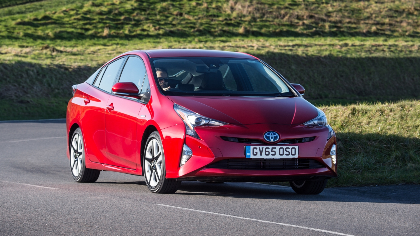 Toyota Prius Review and Buying Guide: Best Deals and Prices