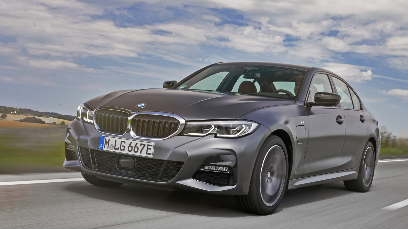 BMW 330e plug-in hybrid front