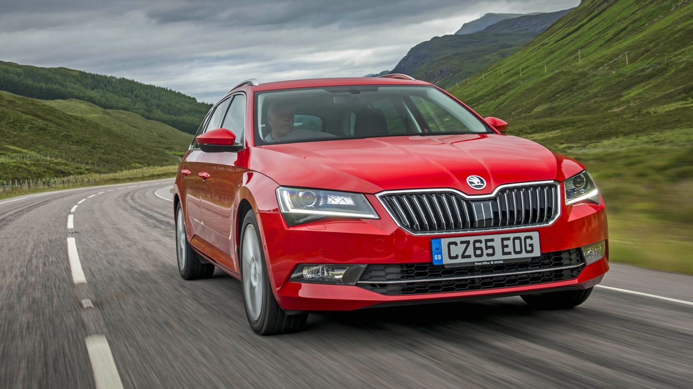 Skoda Superb Estate front