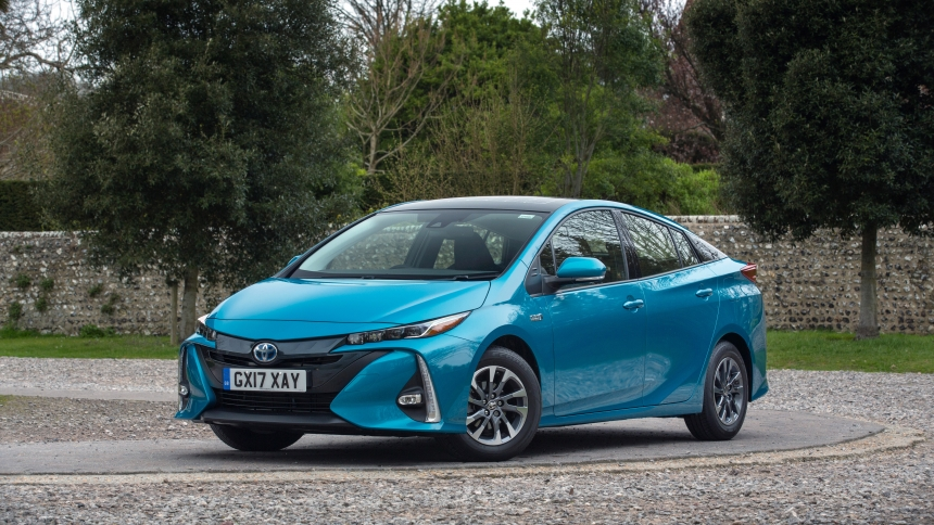 Hybrid cars pros and cons | BuyaCar