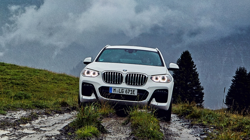 New hybrid BMW X3 xDrive30e: specs, prices and range | BuyaCar