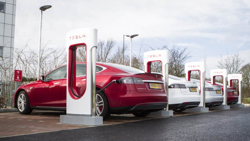 How Long Does A Tesla Take To Charge >> Longest Range Electric Cars Buyacar