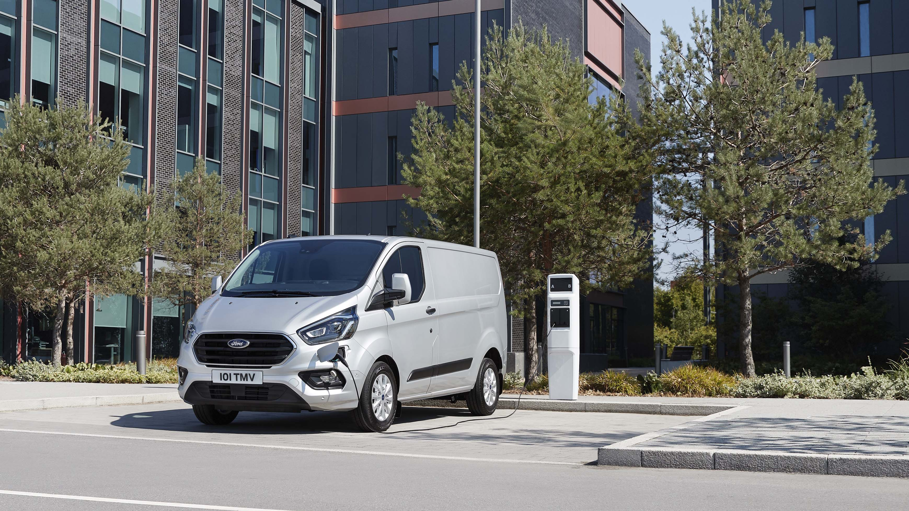 913b9fe615 New 2019 Ford Transit Custom hybrid  review and details
